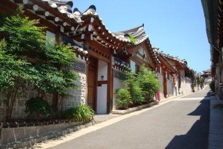 5192331-Bukchon_Hanok_village-0
